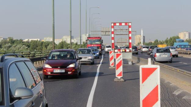 Burzą estakadę Trasy Toruńskiej. Drugi dzień korków