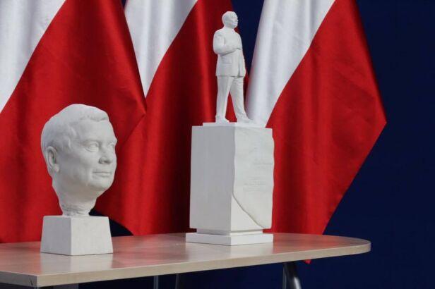 Projekt pomnika Lecha Kaczyńskiego KS Budowy Pomników / Facebook.com