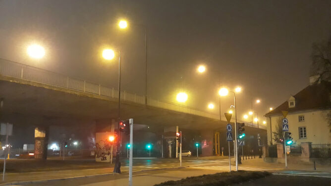 Wieczór ze smogiem. <br />Miejscami sytuacja jest fatalna